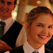 Service with a smile personeel bijbaan horeca restaurant bediening bijbaan fooi Mind Your Guest Robert Bosma