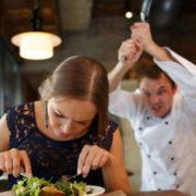 hospitality klantvriendelijkheid training gastvrijheid etiquette regels gastvrijheid restaurant hotel gast bediening keuken reservering gedrag recensie annulering dieet wensen Mind Your Guest Robert Bosma