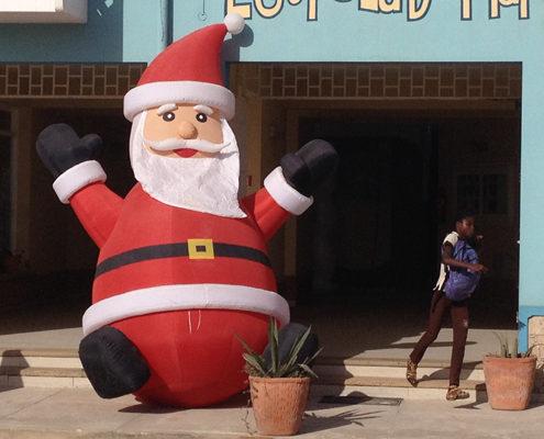 Kerst 2016 aandacht kaap verdie boa vista hotel dunas hotel boa vista kerstboom kerstman sneeuw familie kerstdiner museum training gastvrijheid klantvriendelijkheid service kwaliteit Mind Your Guest Robert Bosma