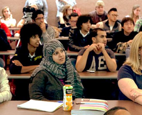 hospitality klantvriendelijkheid training gastvrijheid studenten gastles masterclass presentatie lezing MBO college TIO IVA Notenboom KLM gastvrijheid geen oordeel Mind Your Guest Robert Bosma