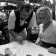 wie rekent er af met wie klantvriendelijkheid afrekenen pinnen pinapparaat mobiel gast, restaurant Provence Zuid-Frankrijk terras brasserie training gastvrijheid service kwaliteit Mind Your Guest Robert Bosma